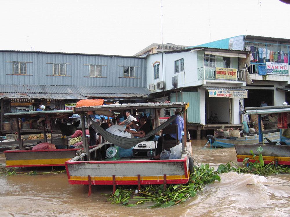 Bateaux du marché flottant