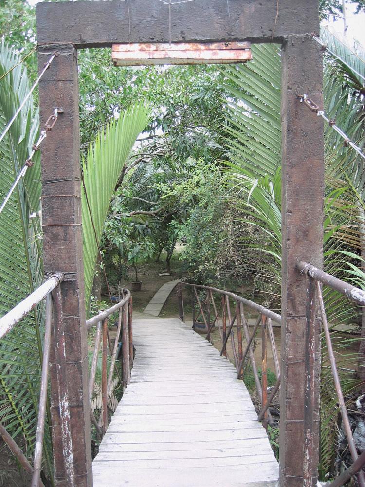 Pont sur un bras du Mékong