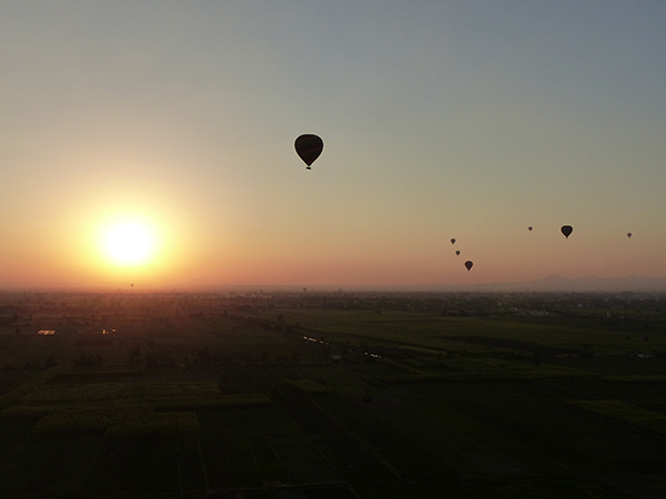 Vol en montgolfière à Louxor
