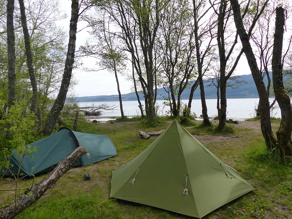 Camper au bord du Loch Ness