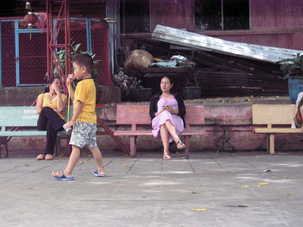 Enfant dans le temple