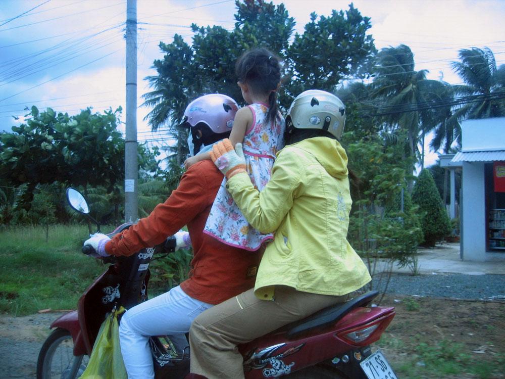 Famille en moto au Vietnam
