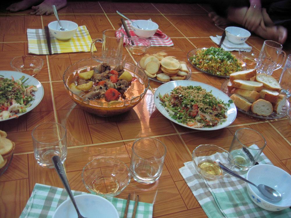 Repas à la vietnamienne