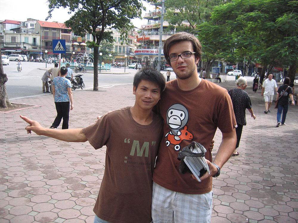 Jeune vendeur au Vietnam