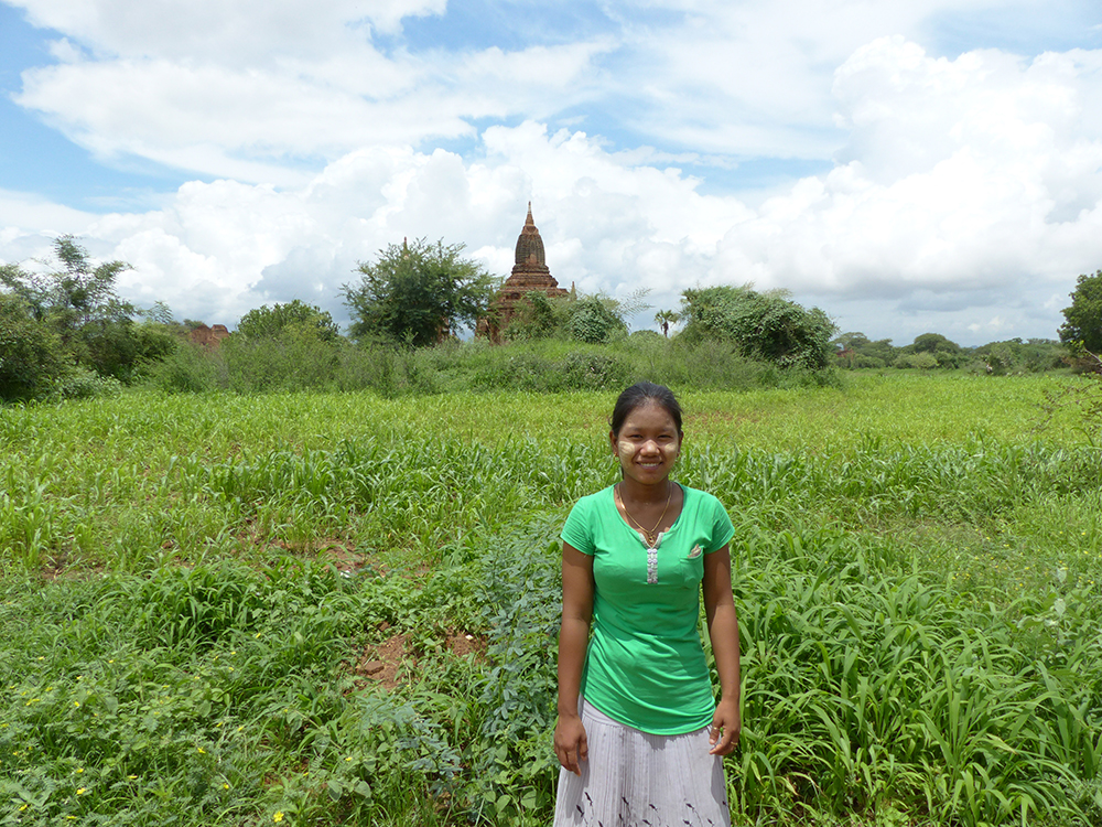 Fillette à Bagan