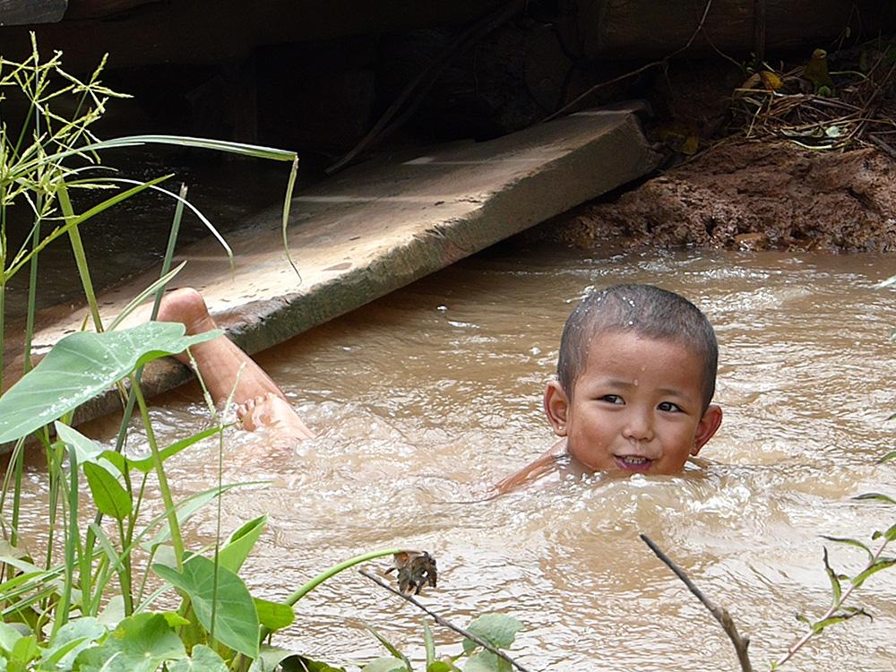 Bonheur aquatique au Myanmar