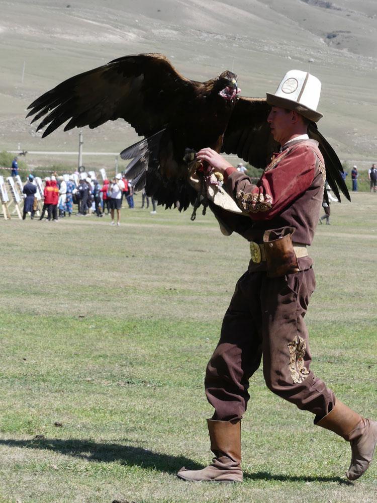 Course d'aigles au Kirghizistan