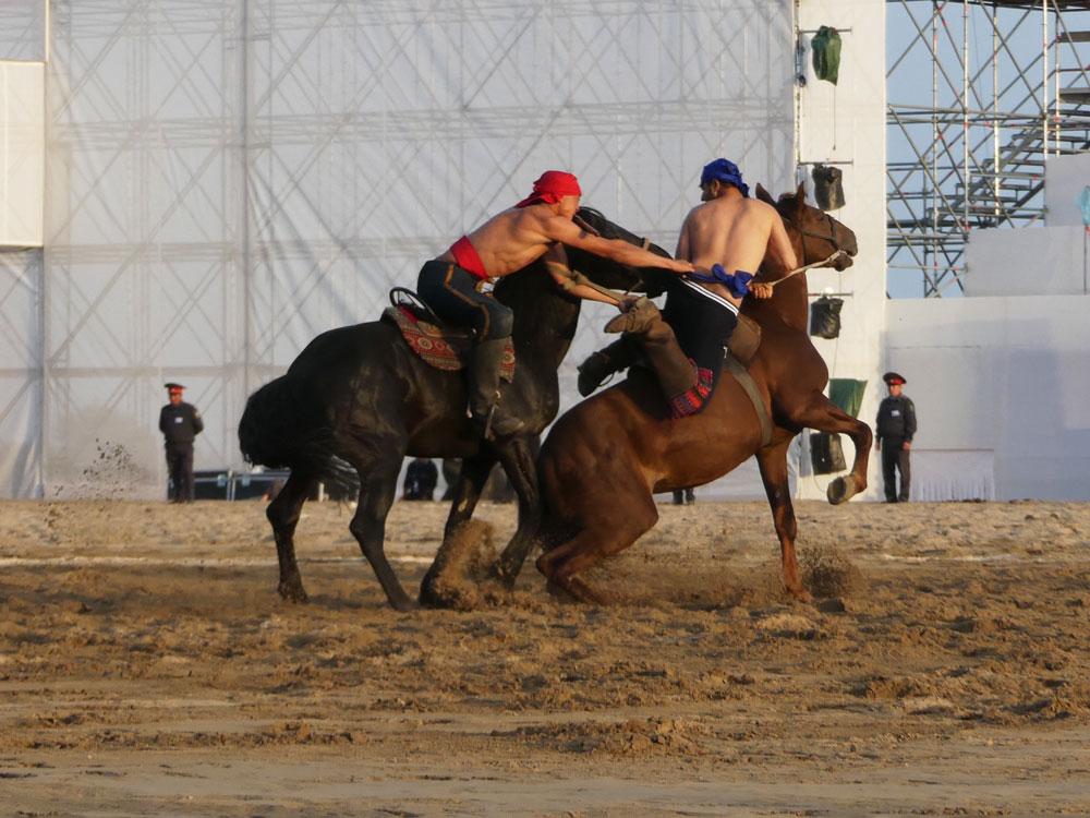 Lutte à cheval aux World Nomad Games